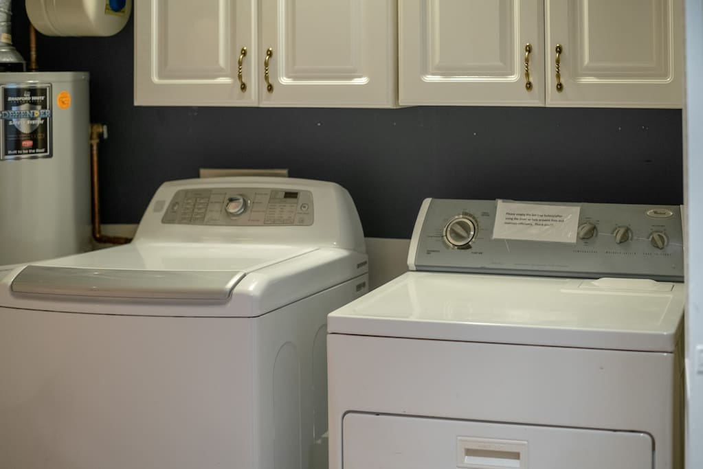 Full-size Washer + Dryer + Iron and Board