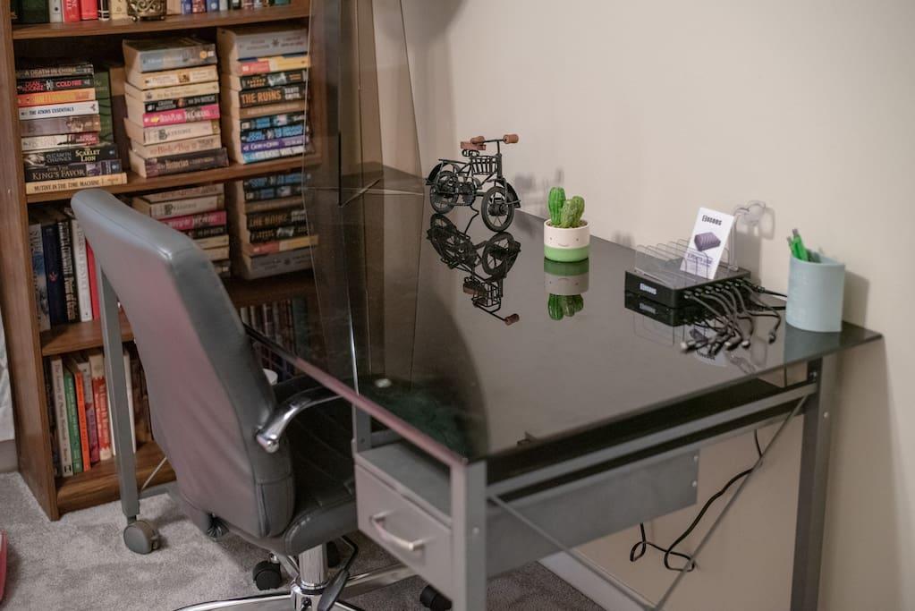 WIFI 300Mbps  Desk + 6-Port Charger