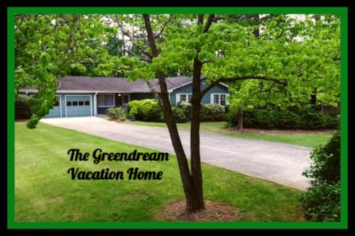 The Greendream, Lovely 3BR/2BA Ranch for 7 Guests